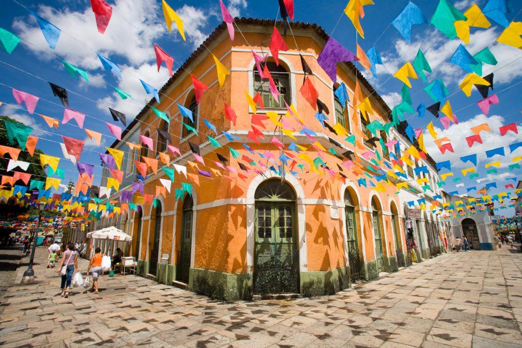 Maison sur le quartier du Marche *** Market zone : Portugal street and Estrela Street